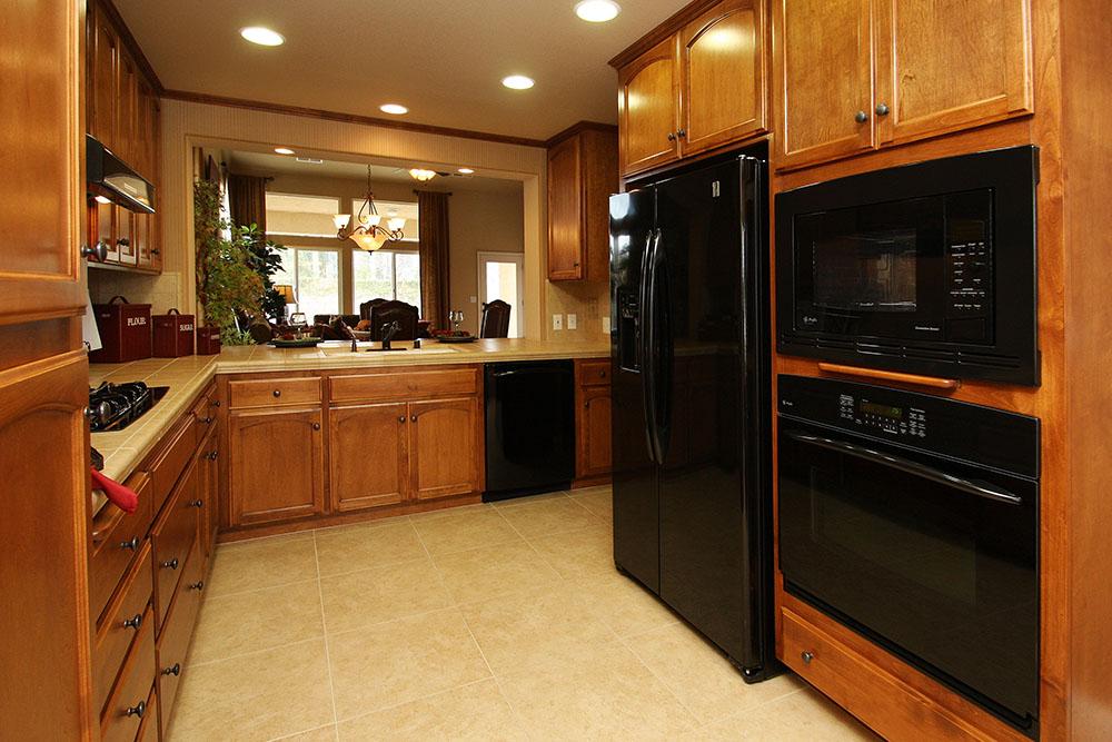Kitchen Side View : Spalding wathen